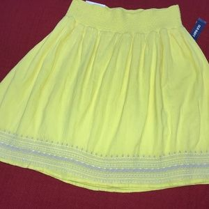 Old Navy yellow skirt